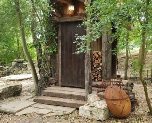 Hand crafted cabin in the woods by Apple Tree Cabins